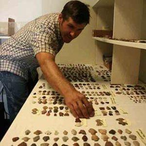 San sorting artifacts